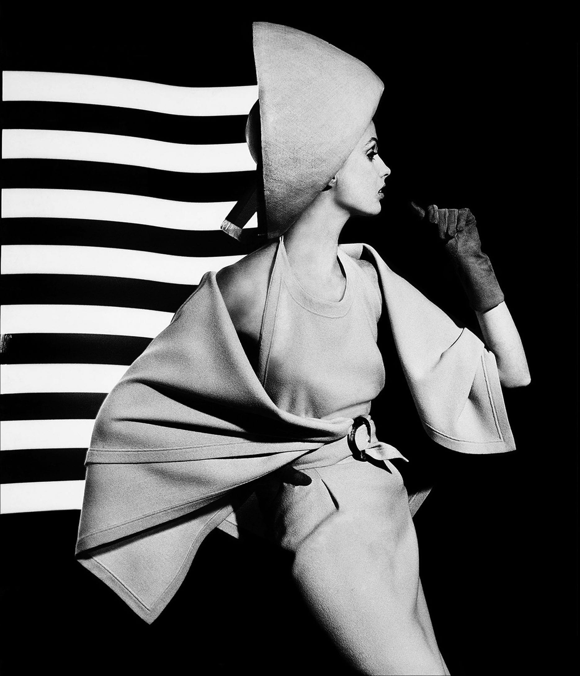 William Klein - Dorothy + white light stripes, Paris, 1962