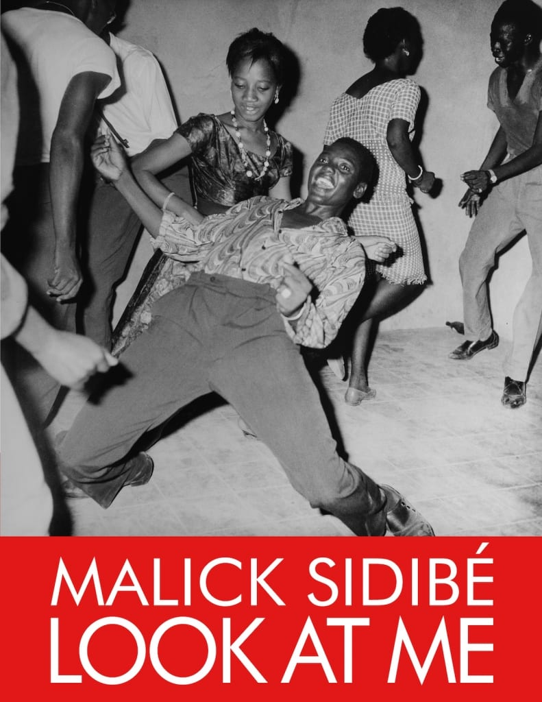 Malick Sidibé Look at me black and white photograph