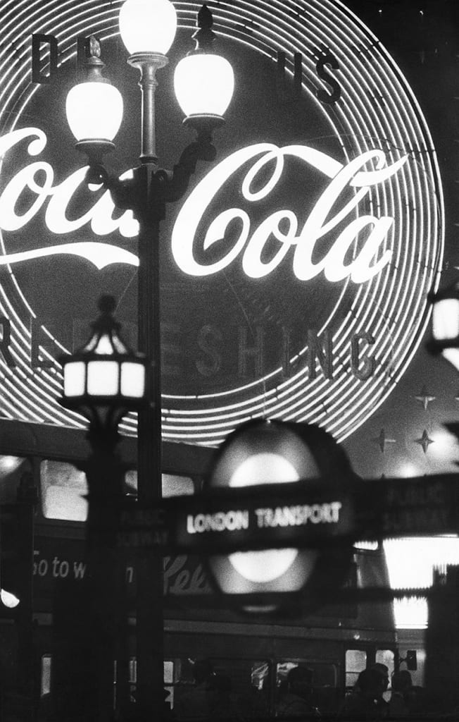 William Klein - Piccadilly, London, 1960s